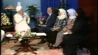Liqa Ma'al Arab 17 July 1994 Question/Answer English/Arabic Islam Ahmadiyya