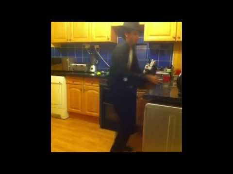 How Michael Jackson would move around in his kitchen