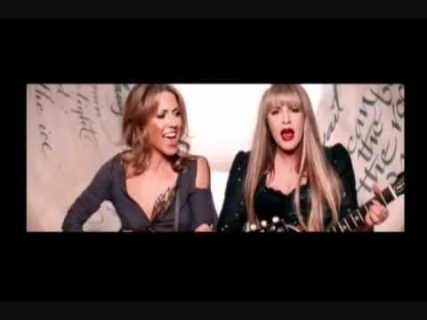 Stevie Nicks and Sheryl Crow - It's Only Love (Live at Shine NYC 2001)
