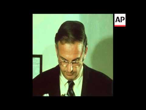 SYND 13-8-73 SENATOR LOWELL WEIKER ON NIXON'S WATERGATE DEFENCE