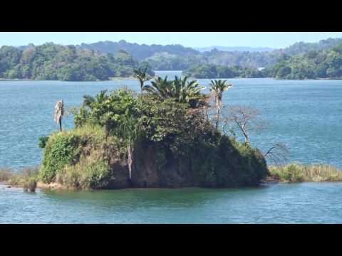 Panama Canal Gatun Lake - Lago Gatun Canal de Panama