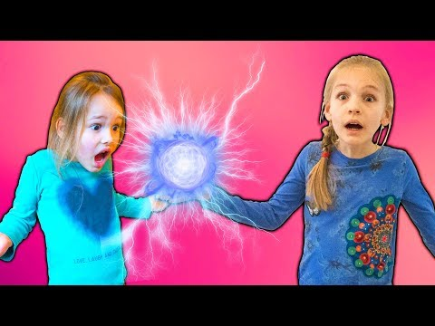 Amelia and Avelina compilation Tuesday with magical super powers and a magic mirror