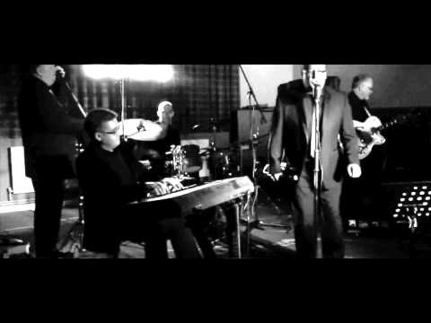 Dr Jazz - 'In The Mood & Let's Twist Again'