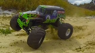 TRAXXAS Gravedigger 1/10 - Sand Stomp