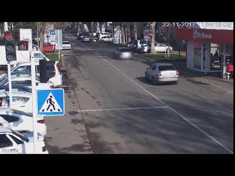 Пересек сплошную. г.Кореновск, ул.Красная, рынок. 22.11.20172