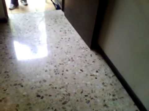 Video pulido de piso granzon blanco youtube for Piso cemento pulido blanco