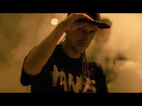 Corny Rap - Bo moga (prod.Juicy) VIDEO
