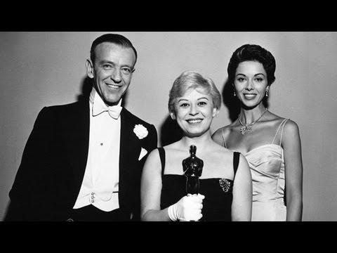 """Nights of Cabiria"" Wins Foreign Language Film: 1958 Oscars"