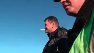 ГАИ Новоселица: Что у вас с бампером?(На самом деле, ролик ни о чем. ГАИшник спросил, что с бампером, и мы начали его троллить. Самое интересное,..., 2014-02-16T12:05:24.000Z)