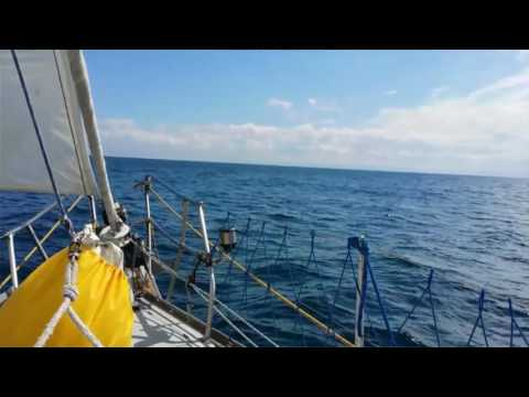 "The travel project : ""10 days on a boat"" Sailing around UK"
