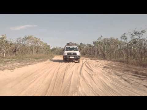 4WD Safari Landcruiser in the Northern Territory of Australia - Britz
