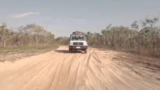 4WD Safari Landcruiser in the Northern Territory of Australia - Britz