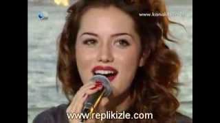Fahriye Evcen |Фахрийе Эвджен поет песню Eglen Guzelim