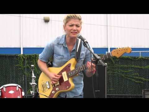 Marnie Stern - You Don't Turn Down Live at Brooklyn Flea on 9/21/20