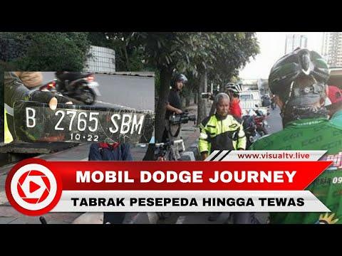 Mobil Dodge Journey Tabrak Lari Pesepeda, Korban Produser RTV