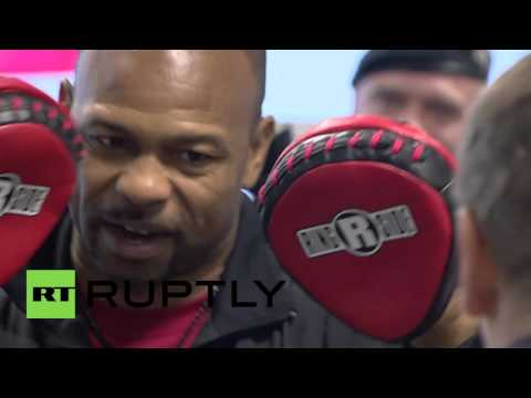 Russia: Former boxing champion Roy Jones Jr. opens boxing school in Moscow