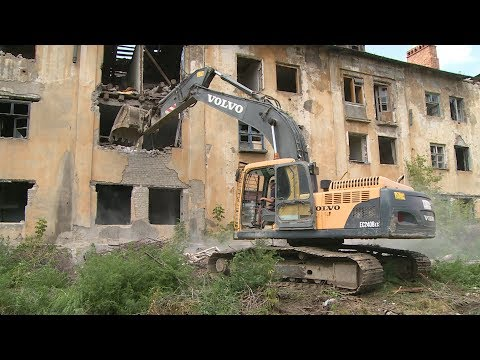 В Краснооктябрьском районе сносят аварийный дом