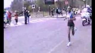 Marathon de Paris 2008 - 2 derniers Kilomètres de folie !