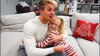 Savannah and 6 Year Old Everleigh Surprise Daddy With Pregna...