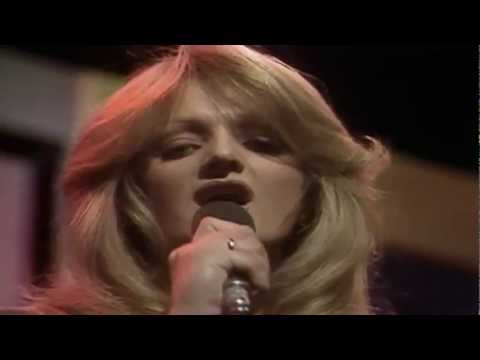 Bonnie Tyler - It's a Heartache (Official Music Video)