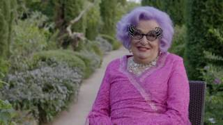 Absolutely Fabulous The Movie On the Set with Dame Edna   Op
