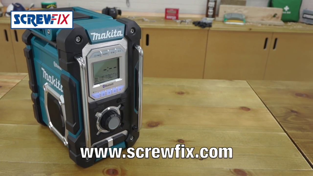 makita dmr106 bluetooth site radio 240v screwfix youtube. Black Bedroom Furniture Sets. Home Design Ideas