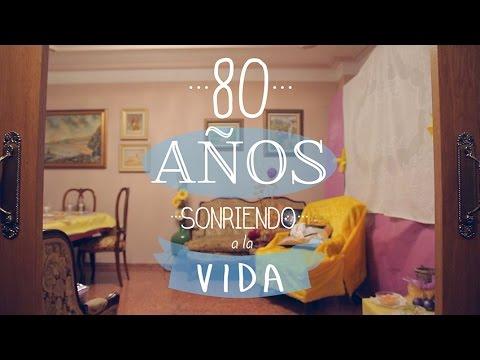 80 a os sonriendo a la vida cumplea os original youtube for Decoracion 80 anos hombre