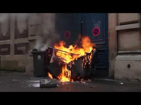 Affrontements et barricades en plein centre-ville de Rouen pour l'acte 7 !