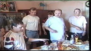 Дома у родителей солиста Сектор Газа Юры Хоя Воронеж 4 июля 2002 года