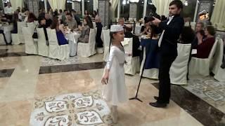 Крым, танец девочки, (Фрагмент Крымско-татарской свадьбы), смотреть, не пожалеете.