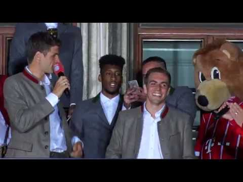FC Bayern Meisterfeier 2017: Party auf dem Münchner Rathausbalkon