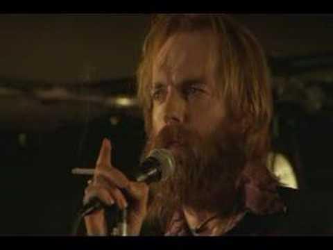 Morris sings