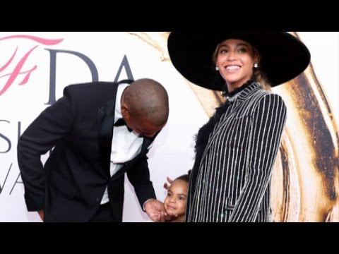 Download Youtube: Blue Ivy Was Too Adorable at the CFDA Awards With Beyonce and Jay Z