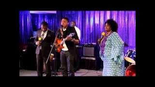 Henoc Mwamba ft Mike Kalambay & Upendo Nkone