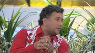 A Praça É Nossa (14/08/14) - Paulinho Gogó conta para Carlos Alberto que sua esposa é feia