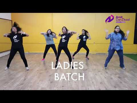 AMIT danzkool dance studio - khwab dekhe song ladies performing