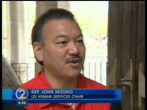 Rep. Mizuno helps the homeless return home to the mainalnd