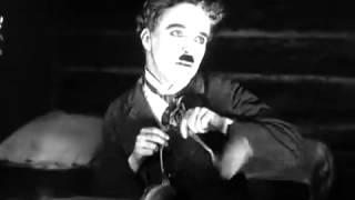 Танец с булочками Чарли Чаплин)
