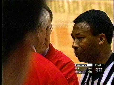 Bob Knight ejected by Ted Valentine