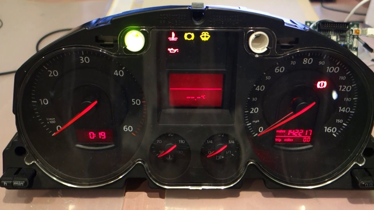 CAN Bus hacking for a VW Passat dashboard