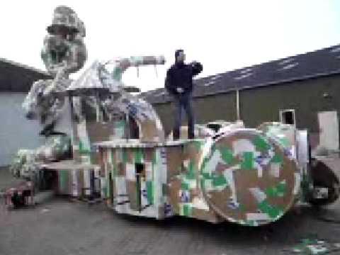Hans lierop proefdraaien carnavalswagen cv de bierbubbels son en