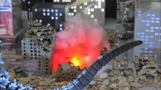 New York Toy Fair 2012 Godzilla Toys .wmv