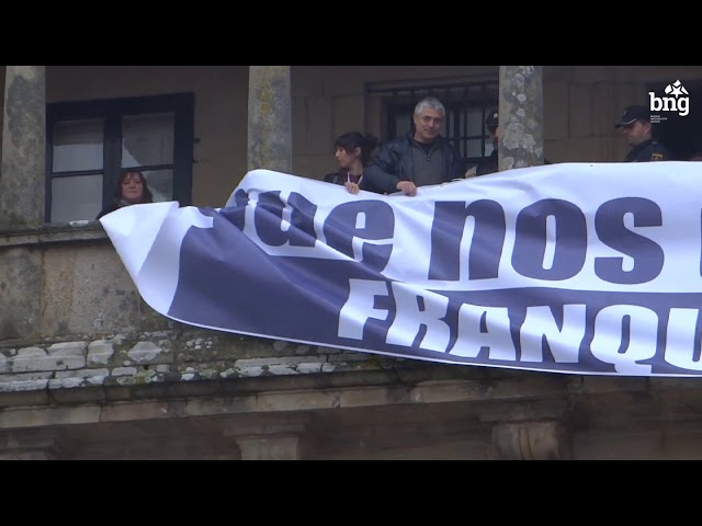 #ASÍSEFIXO - Acto reivindicativo na Catedral de Santiago contra o espolio de Franco