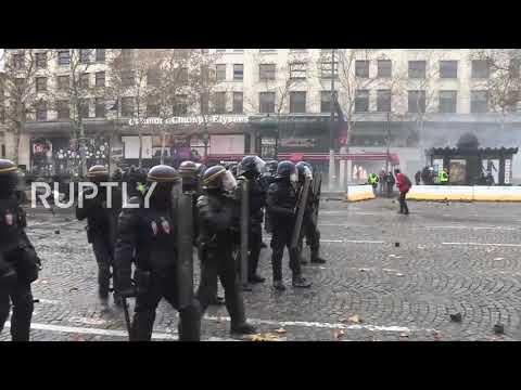 Paris Riots 24 Nov 2018 - Joe Dassin Champs Elysées