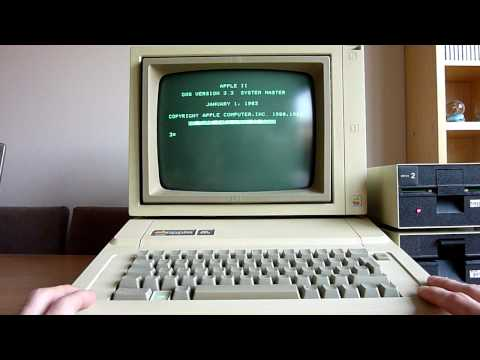 Apple IIe - programming Apple Basic on a 1984 computer!
