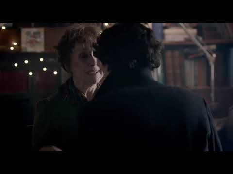 Шерлок BBC: Шерлок спасает миссис Хадсон - Он выпал из окна