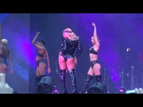 Beyoncé - Naughty Girl (Live in Paris, On The Run Tour II Stade de France, July 15)