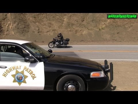 Motorcycle side Wheelie & Knee Dragging in front of a COP :-)