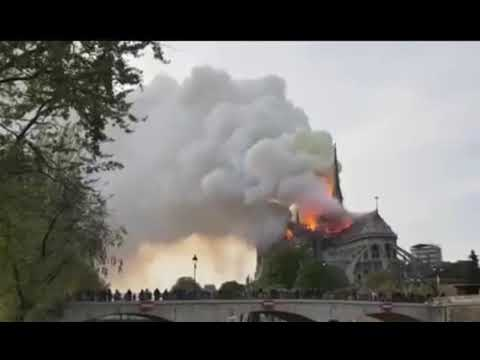 Собор Парижской Богоматери - пожар.