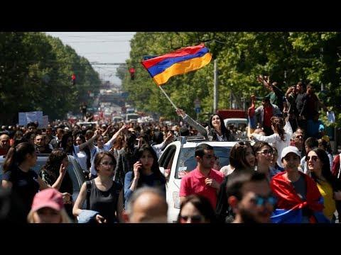 LIVE: Aufruhr in Armenien - Opposition will nach verlorener Abstimmung das ganze Land blockieren